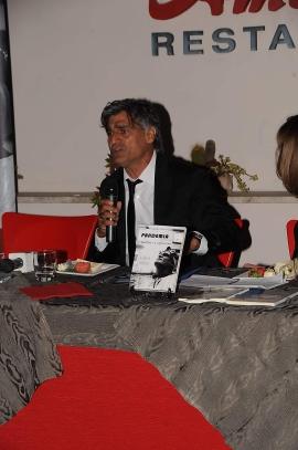 STANDING OVATION PER LO SCRITTORE E ATTORE ANGELO IANNELLI A BRUSCIANO