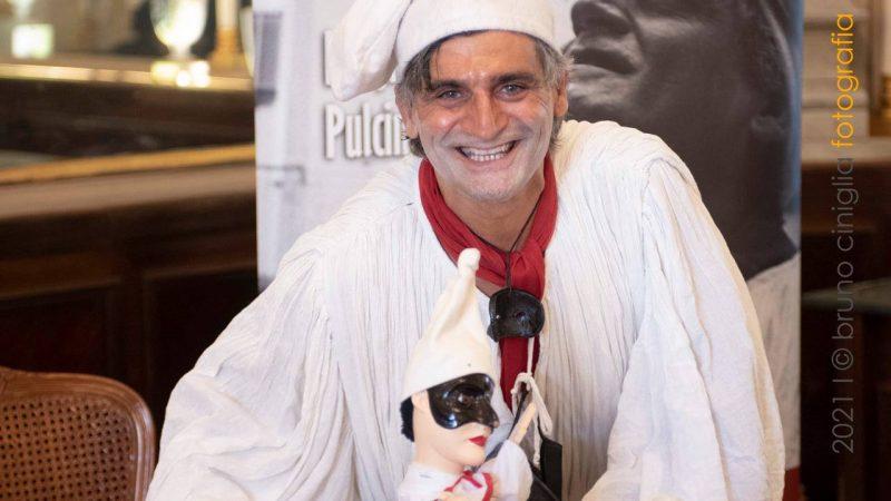 NAPOLI: APPLAUSI PER PULCINELLA – ANGELO IANNELLI – AL GRAN CAFFÈ GAMBRINUS
